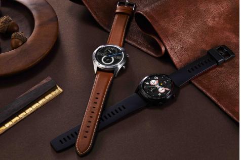 轻薄长续航荣耀手表首销售罄,智能手表迎来快速普及时代